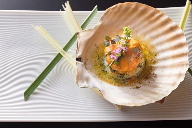 帆立貝とウニのミ・キュイ 海藻バターと共に