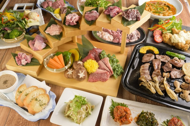 名物の博多もつ鍋と同様に、仕入れにこだわったホルモンと和牛を使った料理をご提供