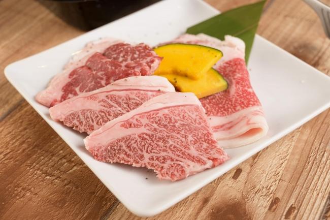 系列店に和牛焼肉の専門店、とびうし、肉屋の台所と共同仕入れにより、和牛精肉に関しても高品質、低価格でご提供。
