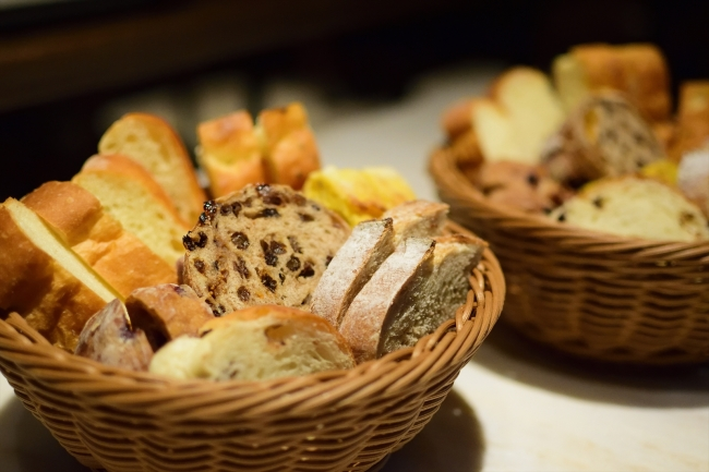 季節によって内容が変わる食べ放題のパン
