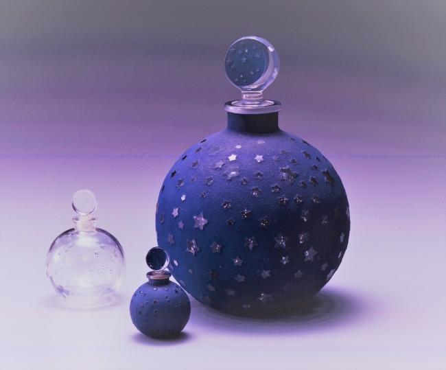 ルネ・ラリック 香水瓶「ダン・ラ・ニュイ(夜中に)」原型制作:1924年、ウォルト