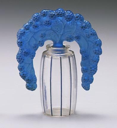 ルネ・ラリック《桑の実形栓付香水瓶》1920年 原型制作