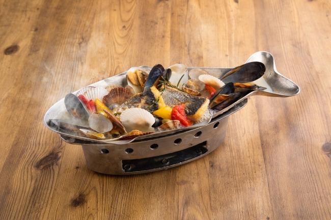 北海道直送の鮮魚と貝のアクアパッツア1,380円