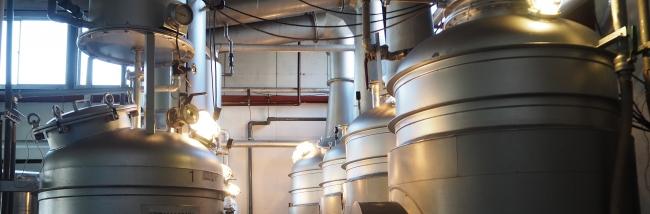 こだわりのクラフトジンを製造する蒸留器