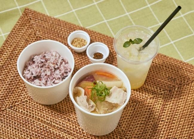 九州の豚汁ドリンク付セット 1,580円(税込)