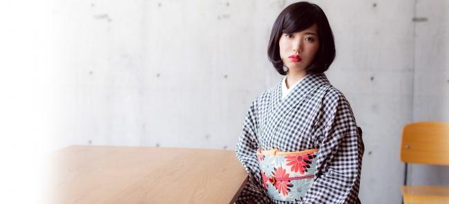 オリジナル木綿着物「黒紺チェック」とオリジナル木綿帯「オレンジレッド×グレー マーガレット」