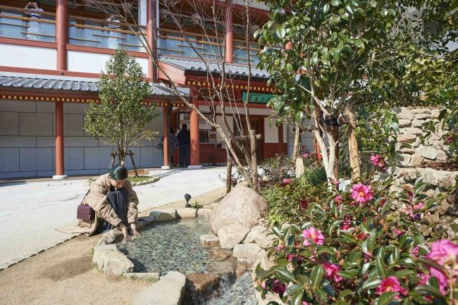 飛鳥乃湯泉 中庭