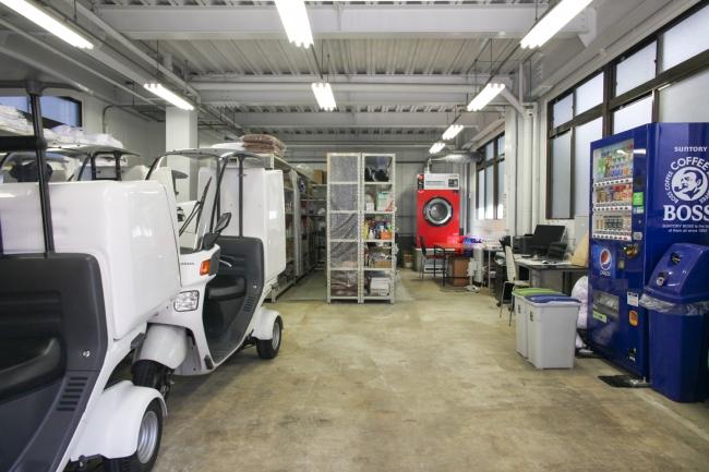 ▲各50坪あるリネン倉庫。 安心かつ便利な清掃サービスを提供しています。