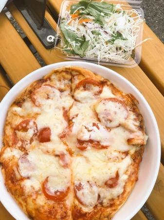 ピザ(ナン用の窯があるので、絶品ピザが作れる)