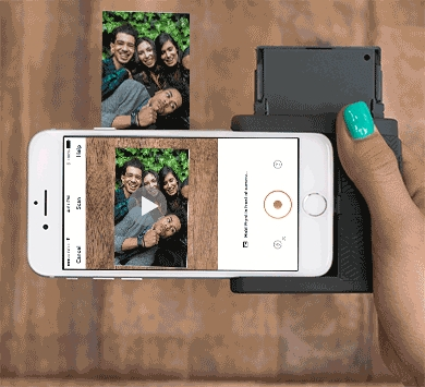 d19a93432a iPhoneで撮影した写真をその場でプリントアウト! ポケットサイズの夢の ...
