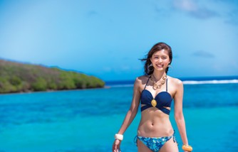 三愛水着楽園ファッションショーに登場する松元絵里花さん