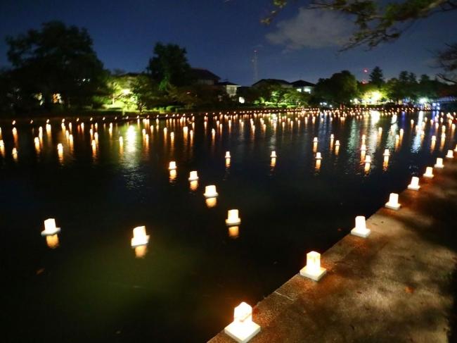 佐賀城のお堀を大きな鏡に見立てた灯りイベント「第4回水鏡プロジェクト」開催