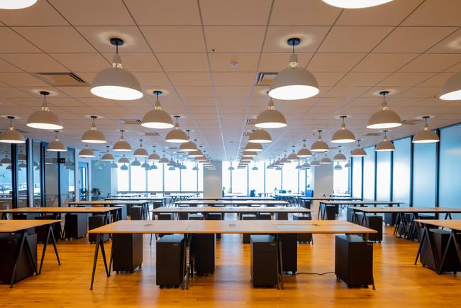開放的なオフィス空間