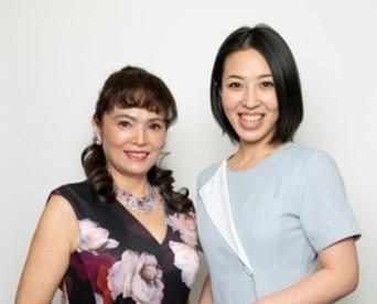 2019年グランプリ矢勢悦子様(左)と担当フェイシャリスト(R)