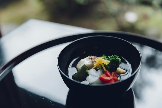 日本料理が超えるべき「厨房主義」
