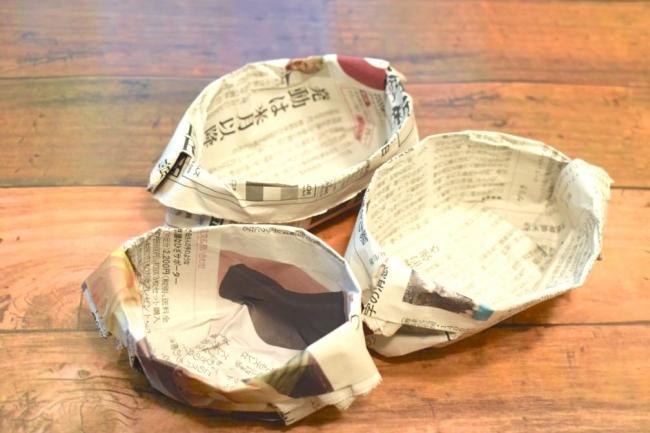 新聞紙を使ったカトー折りの皿
