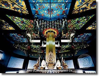 成田山新勝寺平和大塔金剛殿ステンドグラス天井
