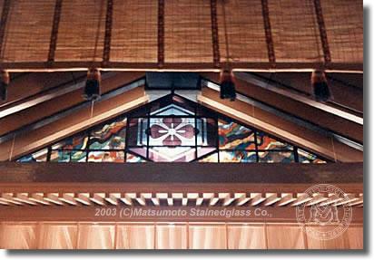 出雲大社神楽殿ステンドグラス