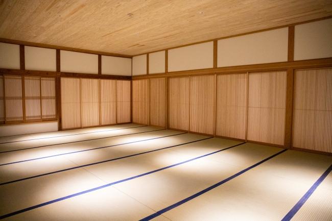 23畳の瞑想ルーム。世界の最先端を走るビジネスパーソンにマインドフルネス実践の場を提供します。
