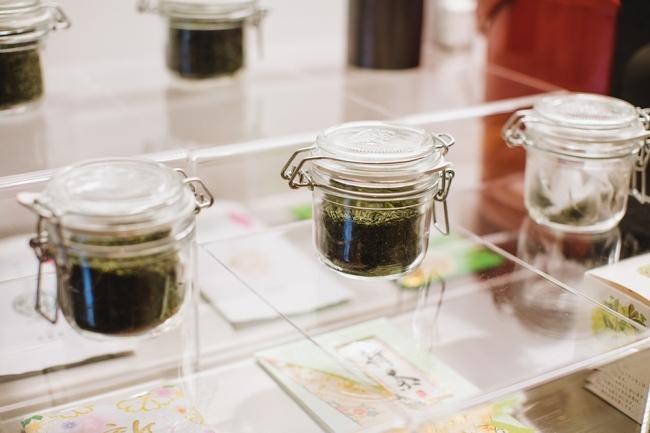 宿では「夢茶房」「豊緑園」を加えた町内3店舗の日本茶の試飲や利き茶体験、日本茶専門店の茶匠によるお茶入れなど、豊かなお茶の世界を堪能することができます。