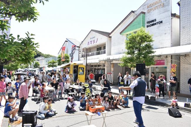 宮崎県新富町「こゆ朝市」は、多様な目的に利用される新たな地域コミュニティになっています。