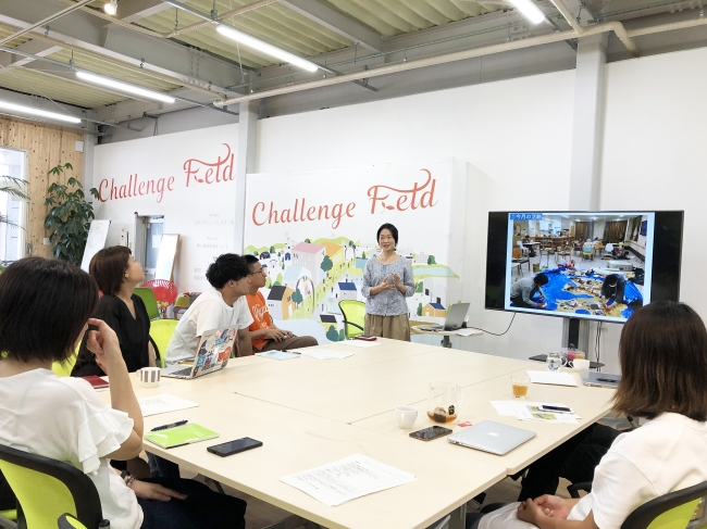 2019年9月現在で11名の地域おこち協力隊が活動する宮崎県新富町。各自の活動状況をシェアする月1回の報告会を開催するなど、コミュニティの醸成に注力しています。