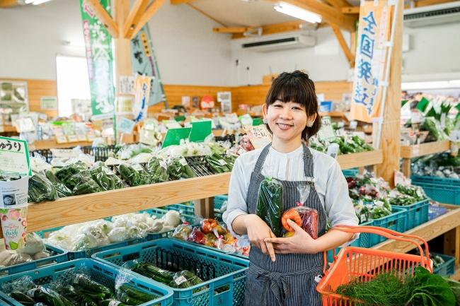 こゆ野菜カフェは、永住美香店長が毎朝JA直売所を訪れて食材を仕入れるなど、地産地消に取り組んでいる飲食店の一つ