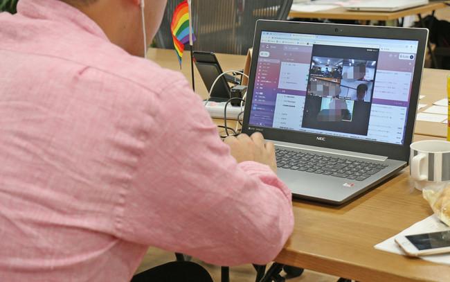 ZOOMを使ったオンラインブレイクセッション中。今回のフェスでも参加者同士、感想や意見を出し合い、共有する。
