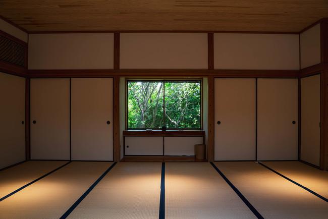 23畳の和室は名楚王やマインドフルネスに最適な空間です。(photo by Yuta Nakayama)