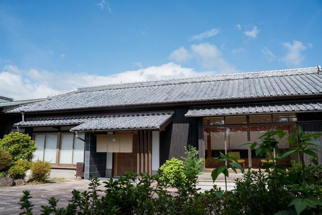 宮崎県新富町の一棟貸切宿「茶心」(photo by Yuta Nakayama)
