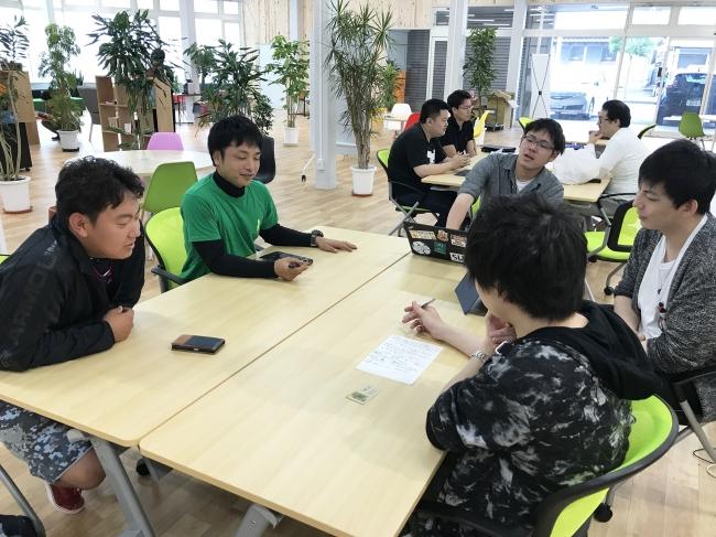 「デザインプロジェクト」では慶応SDM大学院生が新富町の農家にヒアリングをする機会もありました。