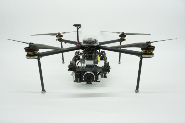 エンルート製ドローンQC730を利用して上空から連続撮影を行う  提供:エンルートMs