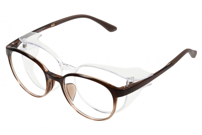 室内ではフードOFFでメガネに変身