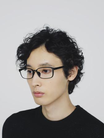 フードなしで通常のメガネとして使用も可能