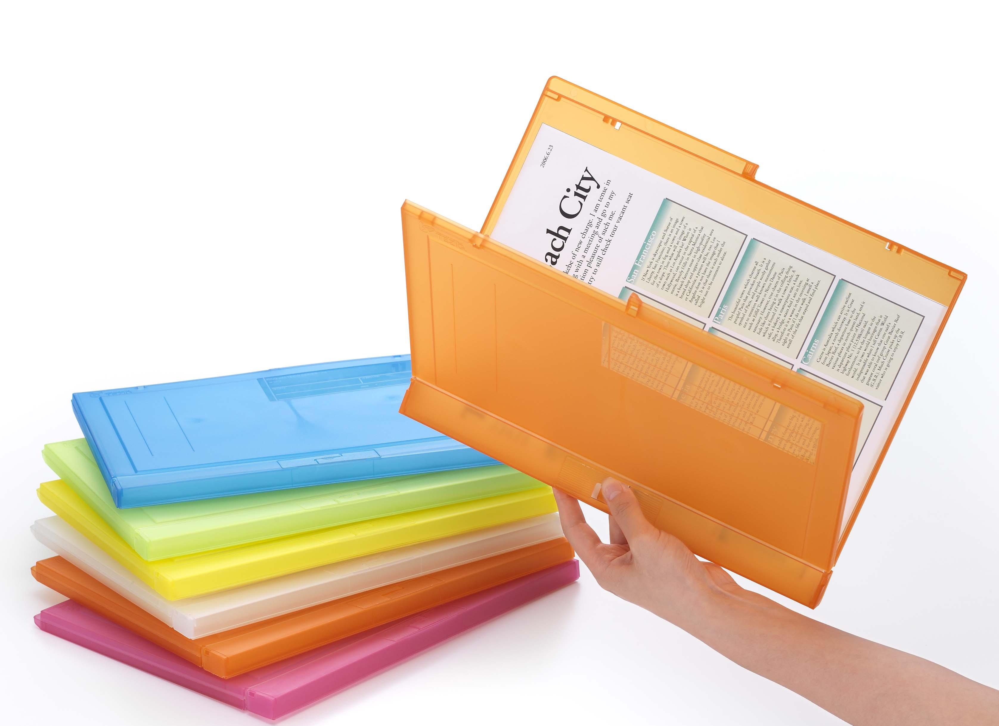 '書類を手でおさえる'新発想から生まれたファイル「テジグ」の透明色に 大量の書類を省スペースで保管できる「テジグ」厚型を発売
