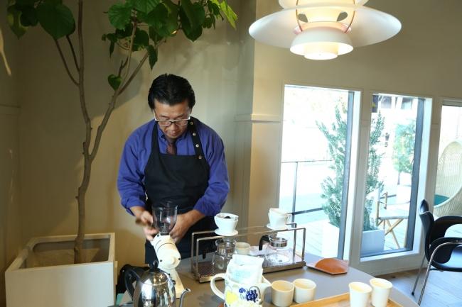 厳選した豆をその場で挽いた香り豊かな珈琲