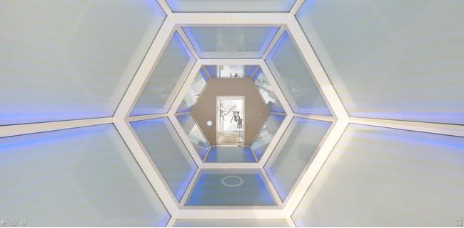 十和田市現代美術館 アナ・ラウラ・アラエズ《光の橋》