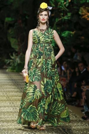 ジャングルプリントのドレス(C)DOLCE&GABBANA