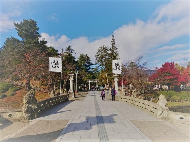 上杉神社:ホテルから徒歩10分