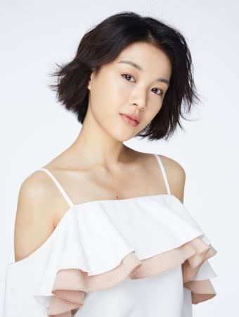馬栗(マリ)氏 ドラマや映画への出演のみならず、バラエティーや声優、 歌手としてマルチに活躍する、中国の人気若手女優。