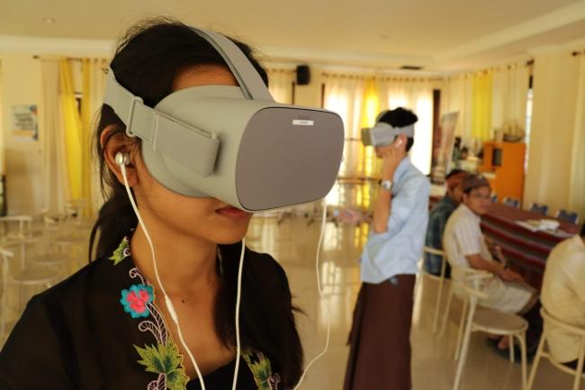 VR動画を使った説明シーン
