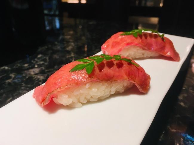 一頭や フードメディア 肉寿司