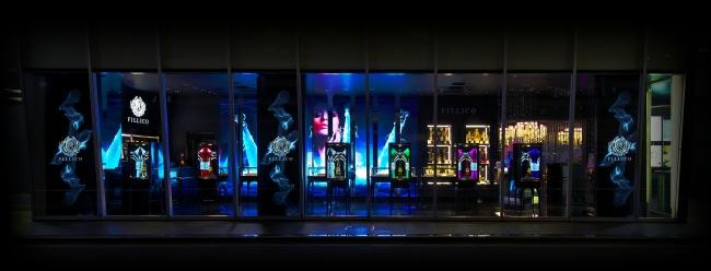 季節ごとにデジタルサイネージがリニューアルされるフィリコ銀座本店
