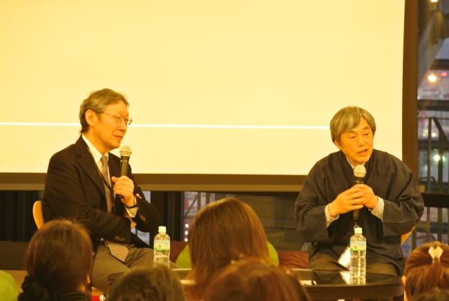 対談している古賀先生と弊社代表 稲本。