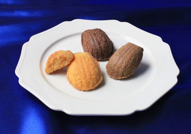 ショコラ・チーズ・紅茶ショコラ の三種のクリームを染み込ませました
