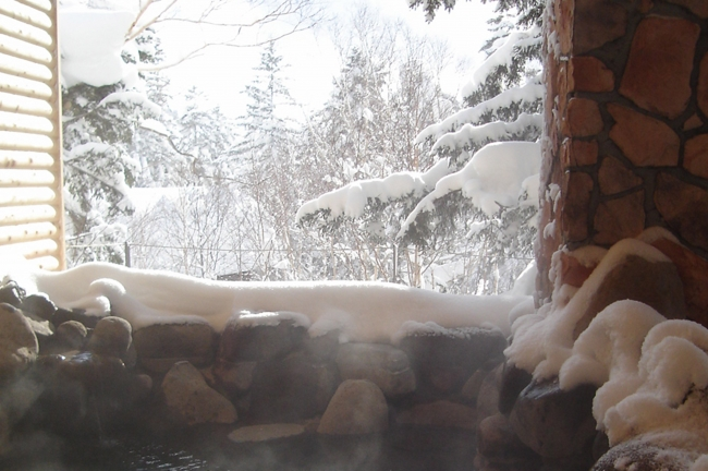 大浴場 露天の岩風呂