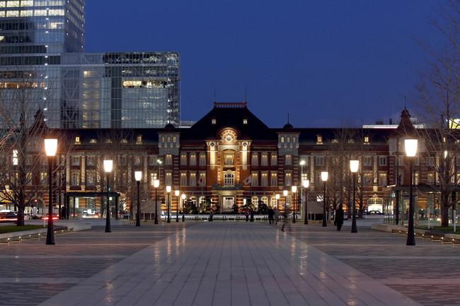 東京ステーションホテルの夜外観