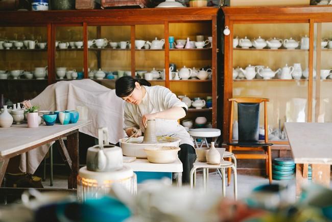杵築(きつき)の磁器作家・坂本和歌子さんのアトリエ。photo:白木世志一