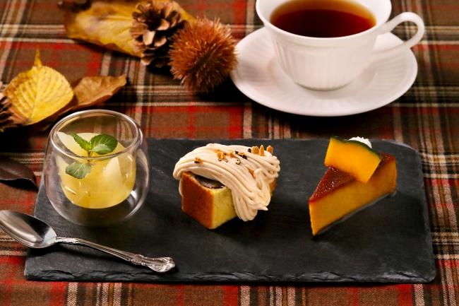 左:ラフランスのコンポート 中央:栗のパウンドケーキ 右:かぼちゃのプリン