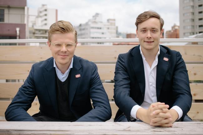 創業共同代表 クリストファー・アックス(右)、マーク・リュッテン(左)